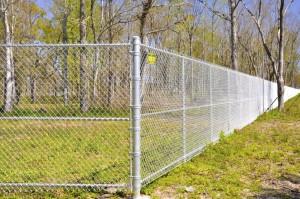 tvora rombais iš vielos